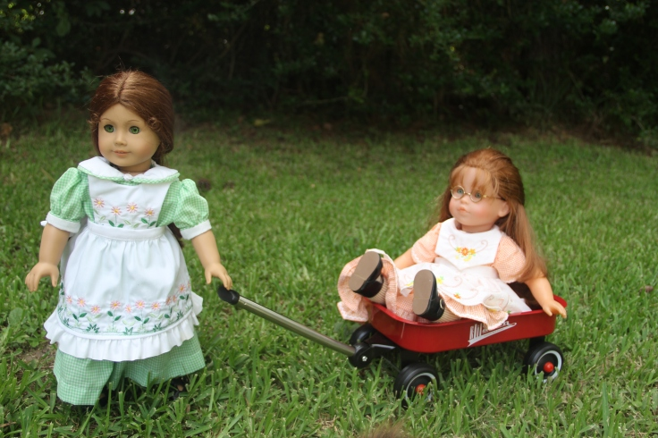 Doll adventures with Stitching with Elli- Felicity plays with the wagon