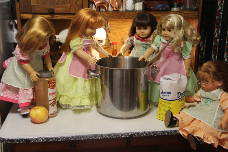 "The dolls make applesauce- 18"" in american girl doll adventures with stitching with Elli"