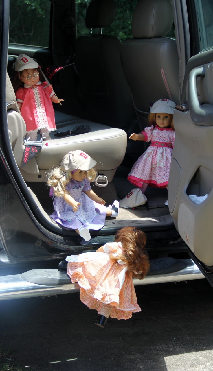 Lanie and Nellie go to a baseballe game!- doll adventures with stitching with Elli