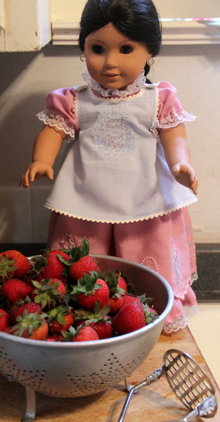 "Josefina makes strawberry jam!- a 18"" doll adventure by stitching with Elli"