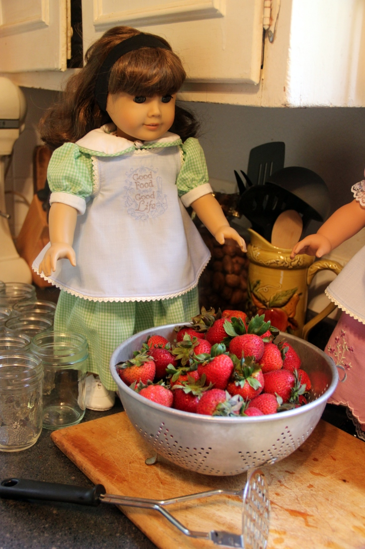 "Susan makes strawberry Jam!- a 18"" doll adventure by stitching with Elli"