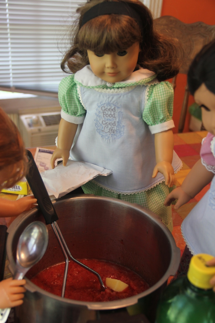 "The Dolls make strawberry jam!- a 18"" doll adventure by stitching with Elli"