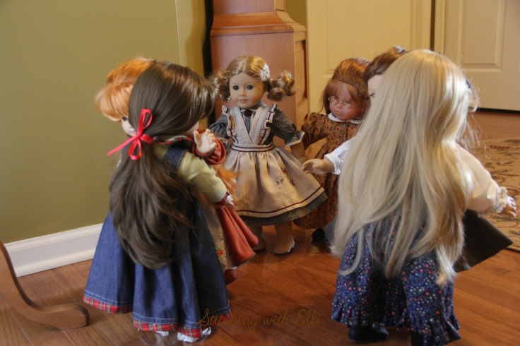 """Meeting new friends!- a 18"""" doll adventure by stitching with Elli"""