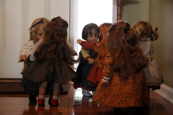 """Hugs all round!! The dolls are getting to know new friends- a 18"""" doll adventure bu stitching with Elli"""