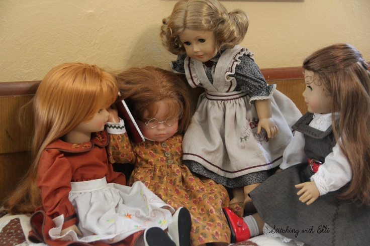 "Calling home on vacation- a 18"" doll story by Stitching with Elli"