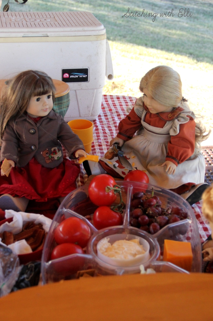 "Picnic on the river- a 18"" doll photostory by Stitching with Elli"