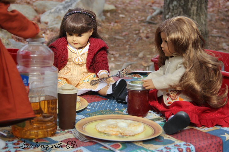 "The dolls go camping- a 18"" doll story with American Girl dolls by Stitching with Elli"