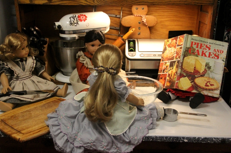 The great thanksgiving pie bake! a Thanksgiving story with American girl dolls by stitching with Elli