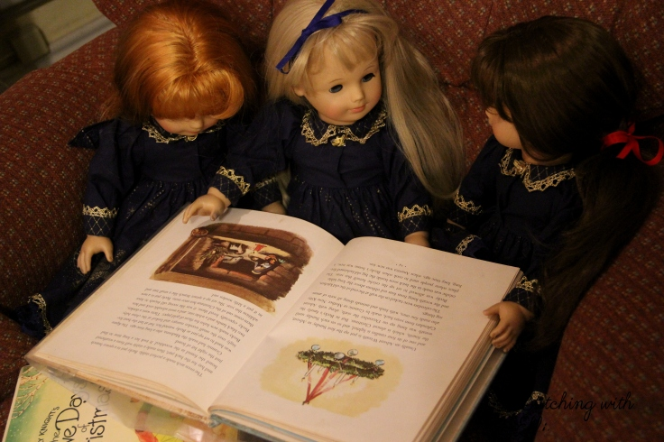 "The dolls read Christmas books- An 18"" doll christmas with american Girls. Stories by Stitching with Elli"