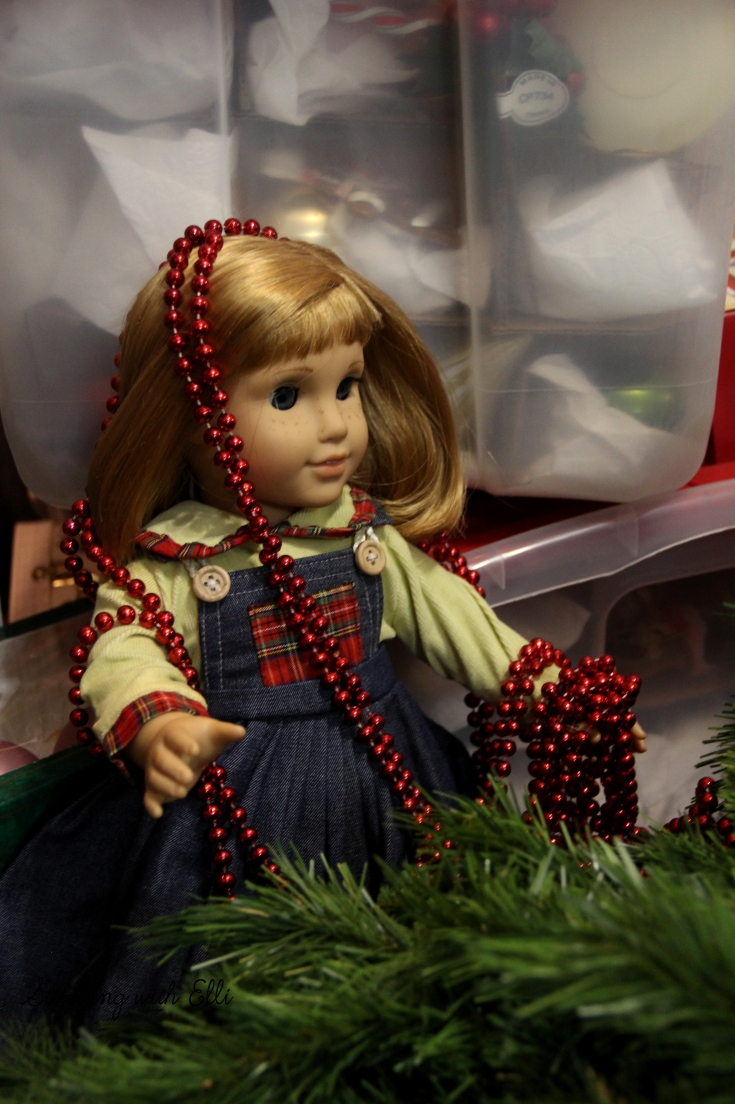 The American girls decorate a Tree- a Doll Christmas story by Stitching with Elli