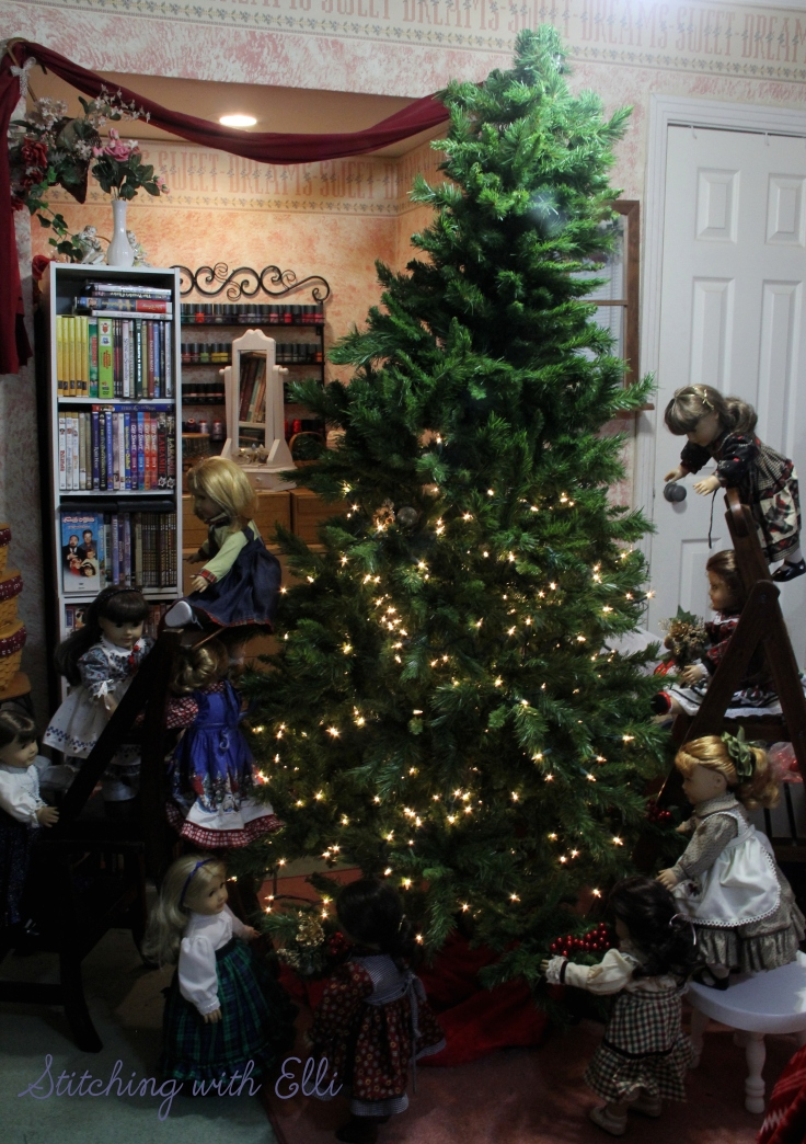 Putting up lights is hard work for dolls!- an American girl Christmas photostory by Stitching with Elli
