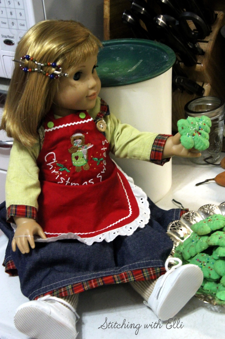 Nellie is helping pack up cookies to give away- by Stitching with Elli